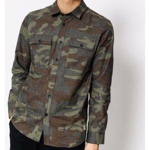VOLCOM Camo Print Modern Fit Button Shirt Large